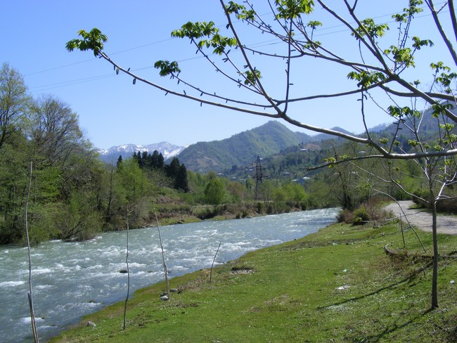 Kintrishi_river_at_village_kobuleti